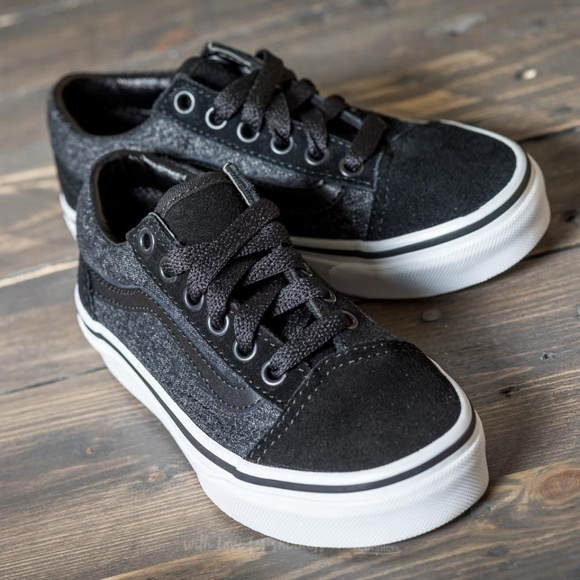 7f482bcdbf5f0d VANS Suede and Suiting Old Skool Sneaker. M 5a7e3cbb9cc7ef6991462233
